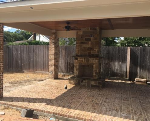 brick outdoor kitchen patio